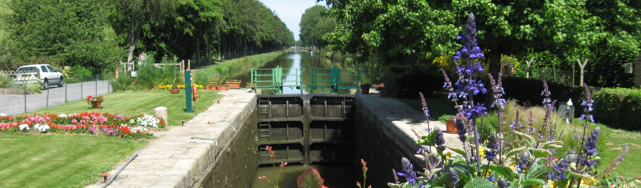 lock near maelestroit bretagne vaar