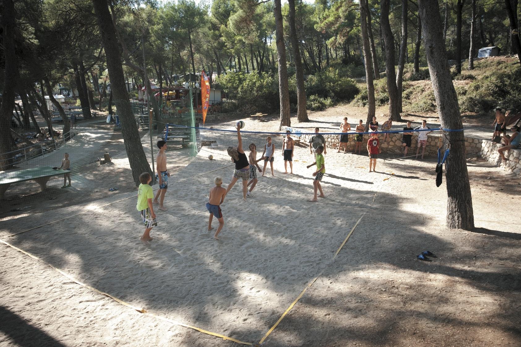 Camping Cikat volleybal roan go4camp