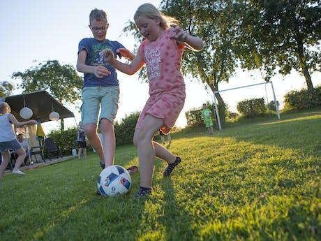 Camping Gulperberg - voetballen