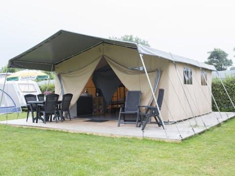 Safaritent Taupe camping Gulperberg vooraanzi