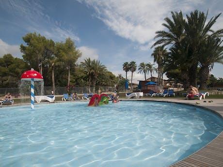 Zwembad op camping Vilanova Park