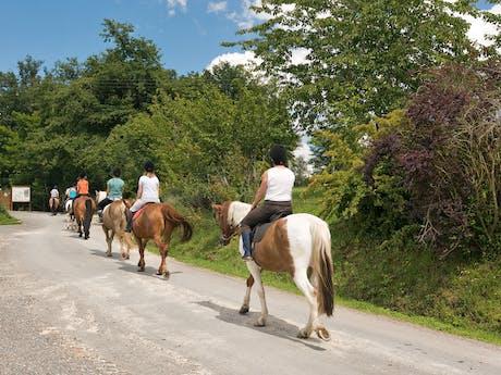 Paardrijden camping Gorges du Chambon