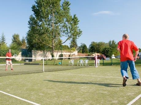 Tennissen camping Chateau de Martragny
