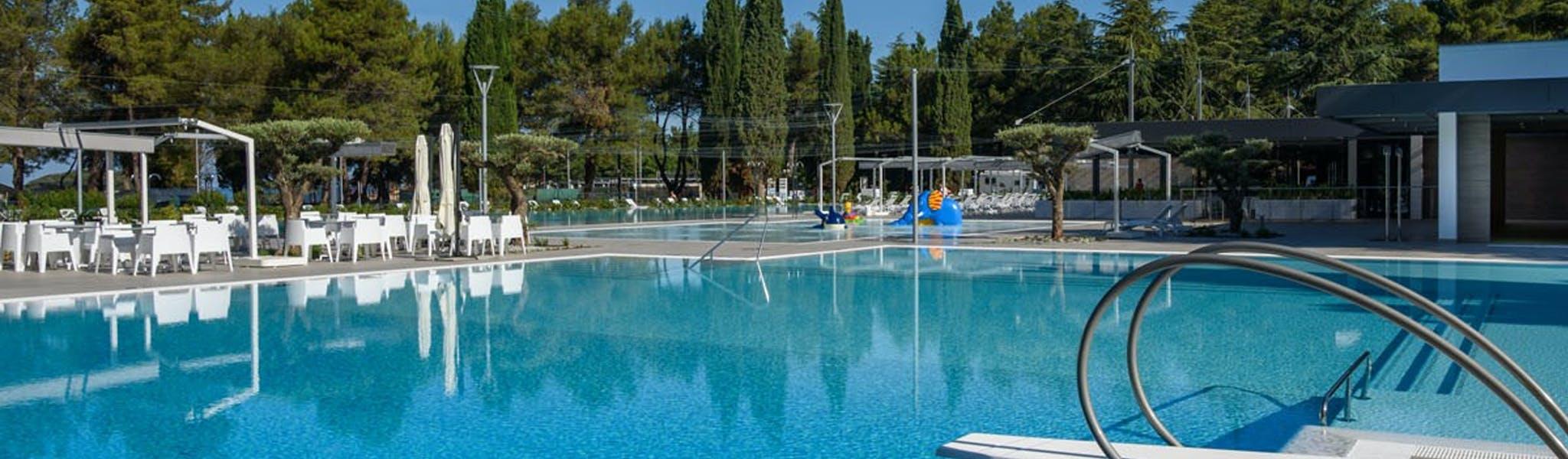 Camping Valkanela zwembad