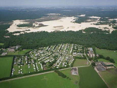 Luchtfoto camping Duinhoeve