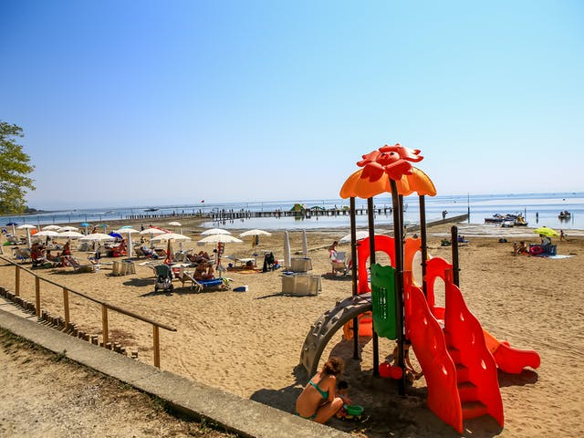 Camping Tenuta Primero speeltoestel strand