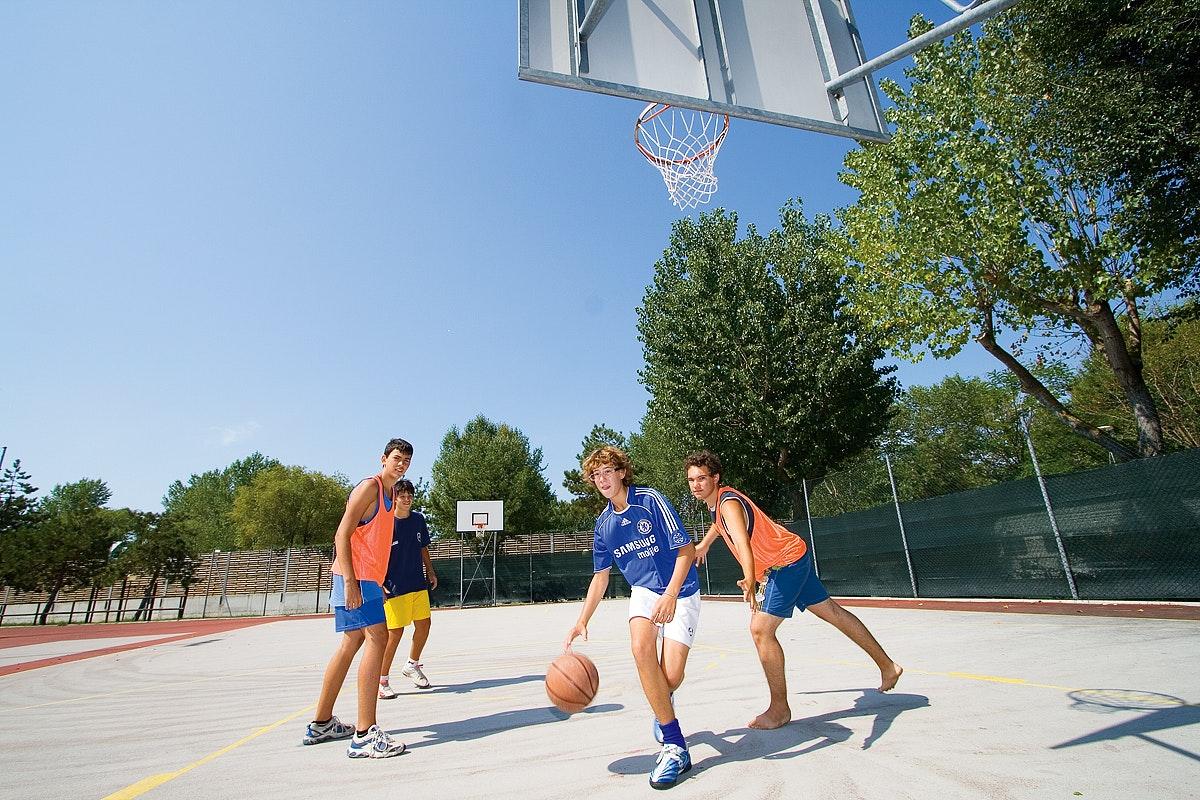 Basketballen op camping Tenuta Primero