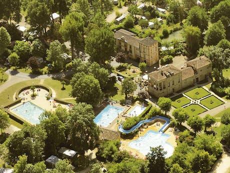 Luchtfoto zwembad Moulin de la Pique