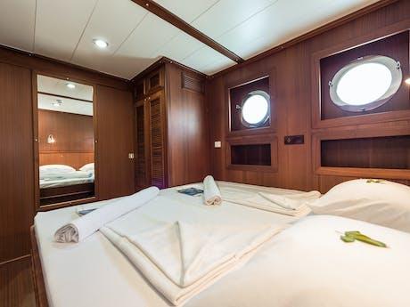 Sailing Classics hut