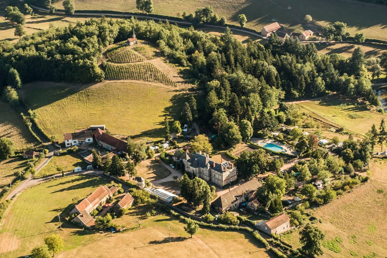 Camping Chateau de Montrouant luchtfoto