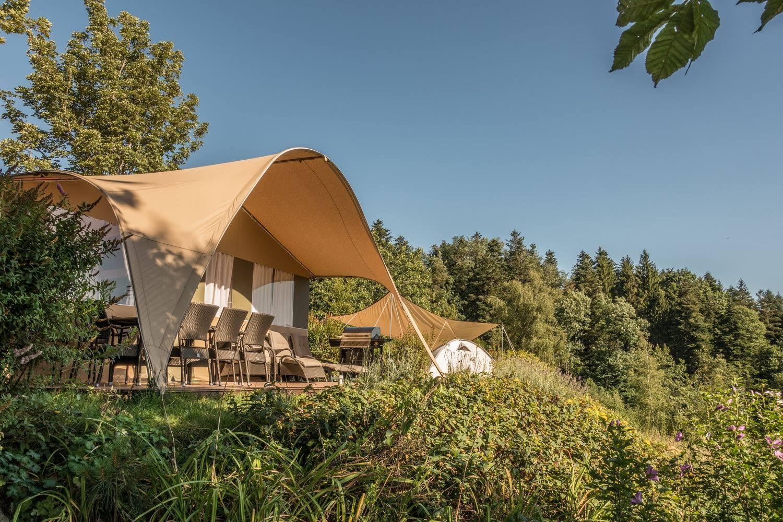 Camping Chateau de Montrouant Grand Lodgetent