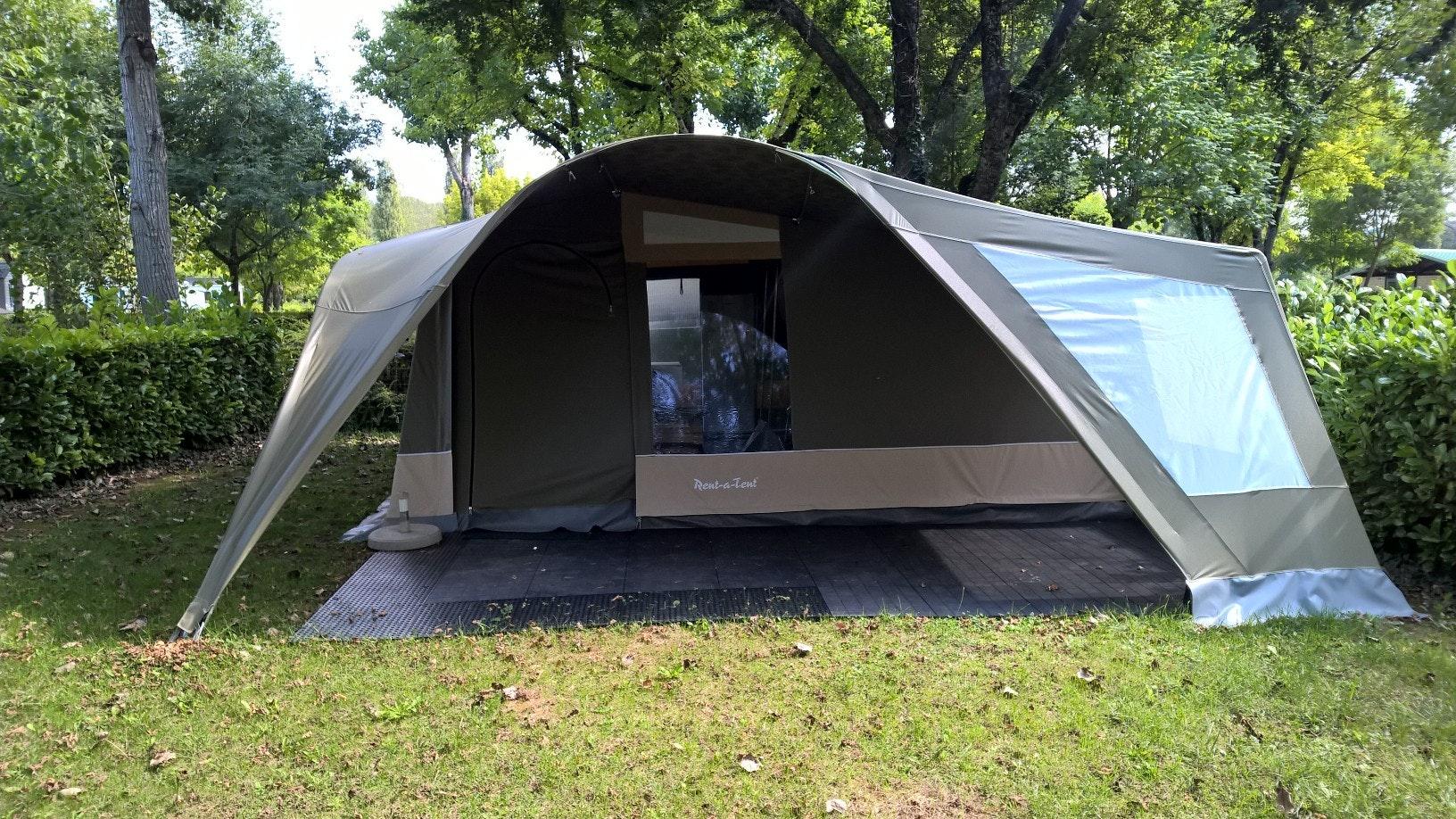 GlamLodge tent Paulhiac