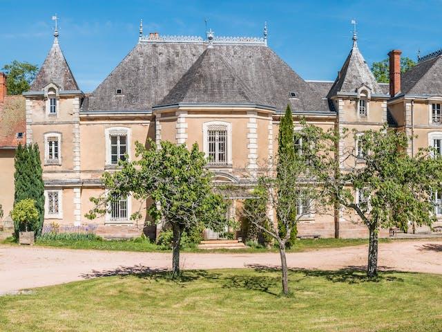 Chateau de Montrouant kasteel tuin