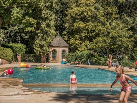 Chateau de Montrouant zwembad