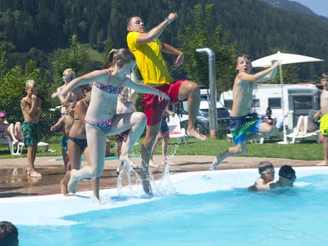 zwembad animatie Bella Austria