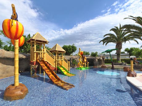 Camping La Masia kinderspeelplaats zwembad