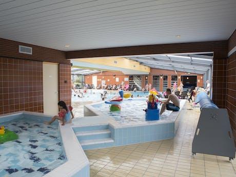 Camping De Pekelinge binnenzwembad