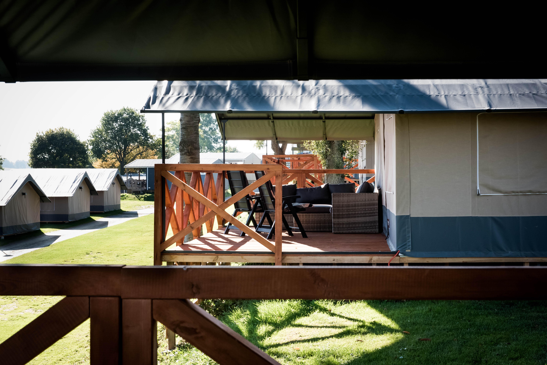 Camping Gulperberg Boek een Safaritent Taupe of GlamLodge