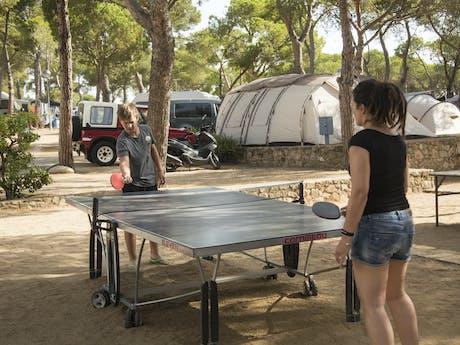 Camping Internacional Palamos tafeltennissen