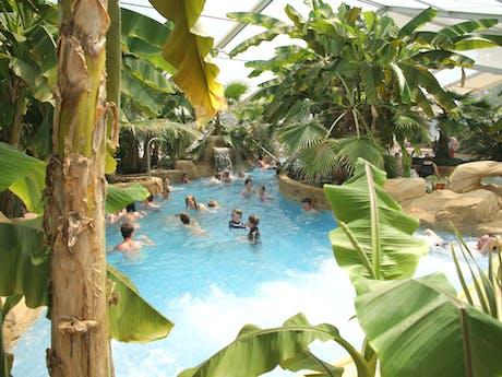 Camping Domaine des Ormes binnen zwemparadijs