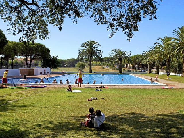 Internacional Palamos zwembad met ligweide
