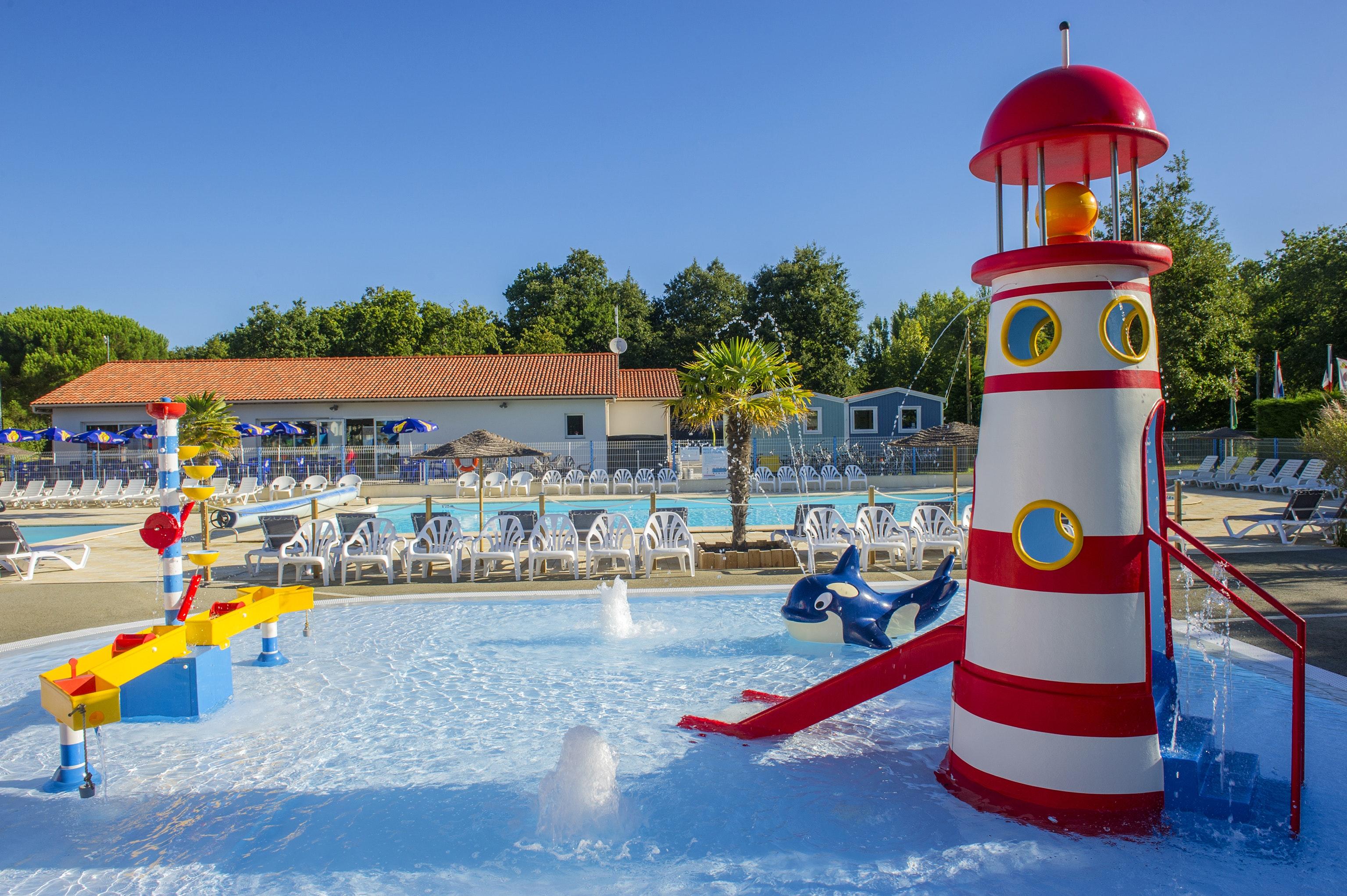 Domaine d Oleron zwembad met kinderspeelplek