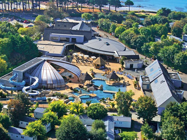 Overzicht zwembad Escale St Gilles