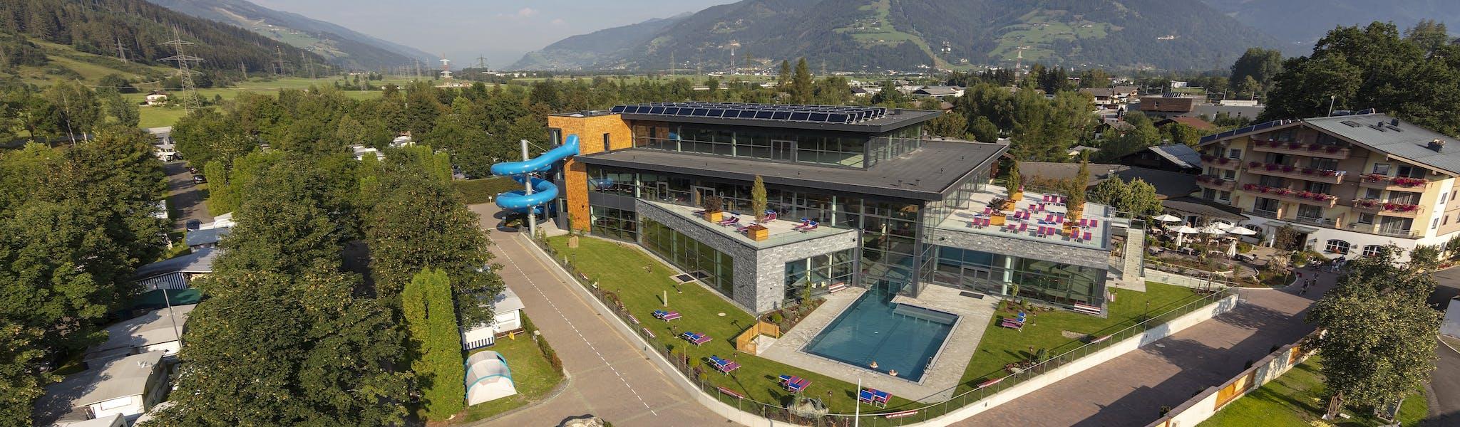 luchtopname nieuw zwembad Woferlgut