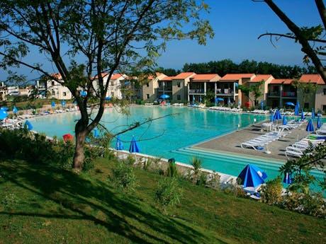 zwembad camping belvedere village