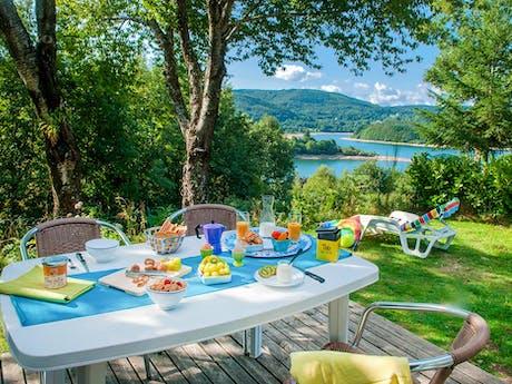 ontbijt met zicht op meer Rieumontagné