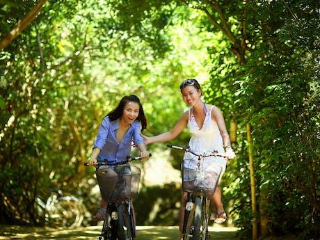Dames op fietsvakantie