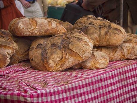brood op markt frankrijk