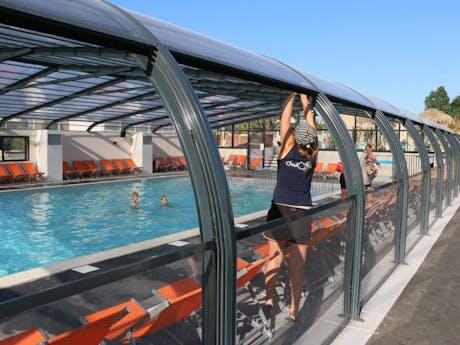 Les Ecureuils overdekt zwembad