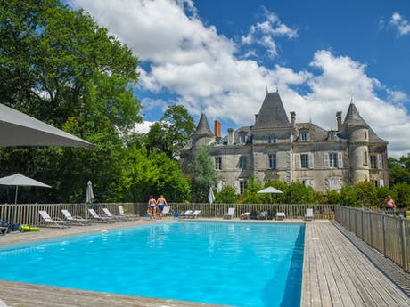 Chateau aanzicht zwembad, La Foret