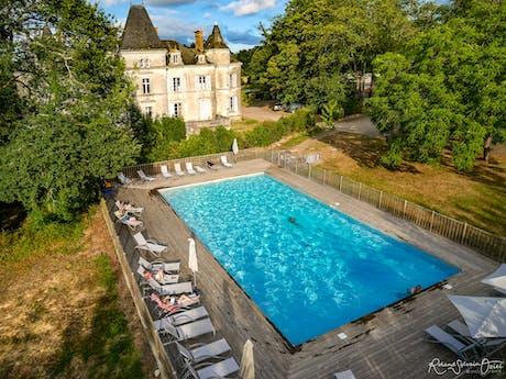 La Foret zwembad aanzicht boven