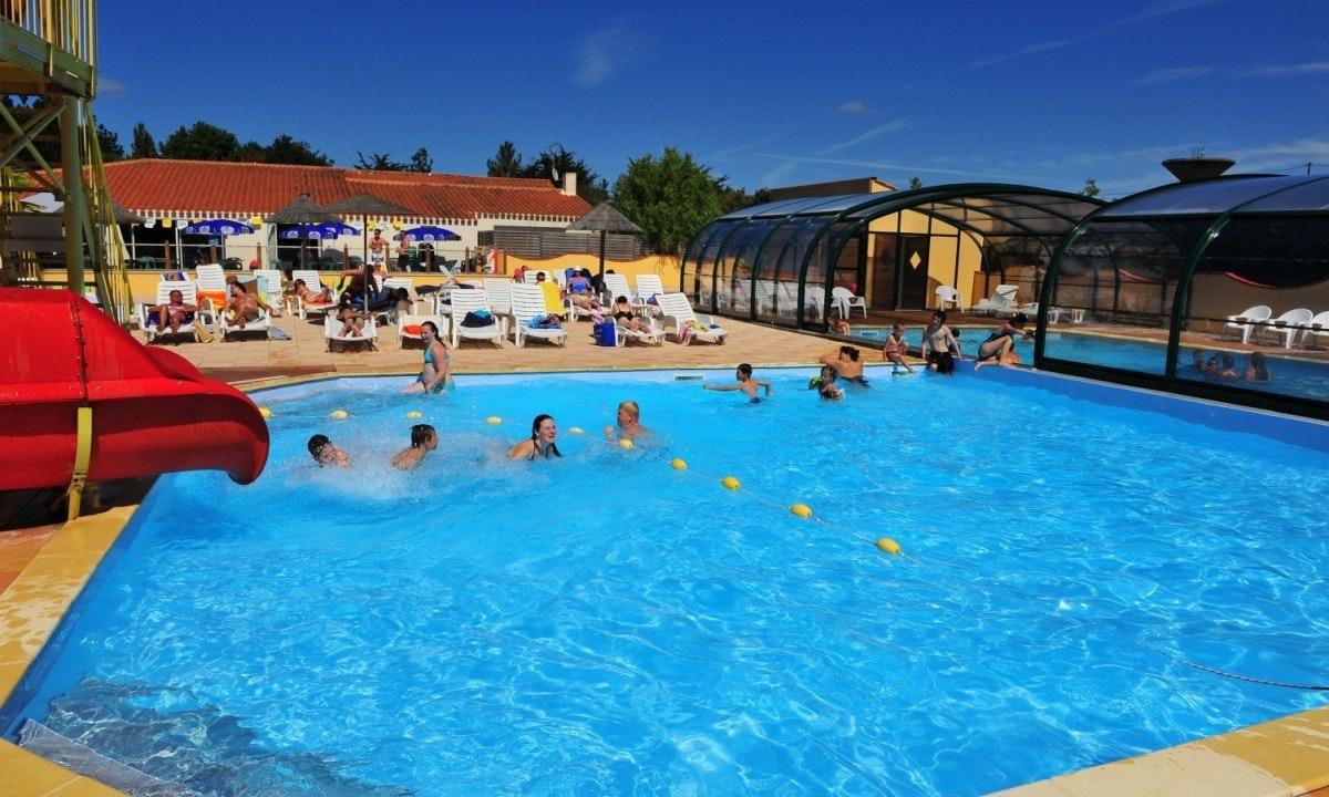 La Trévilière zwembad 2