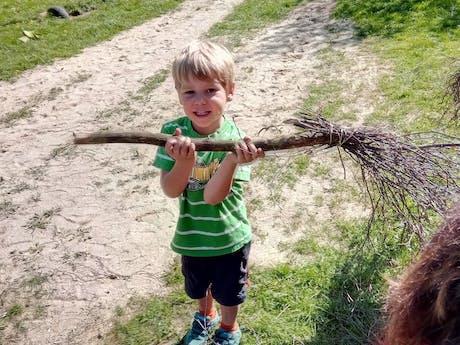 Kind spelen op Knaus camping Walkenried