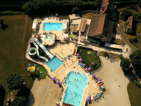 Drone foto zwembad Le Moulin de Paulhiac