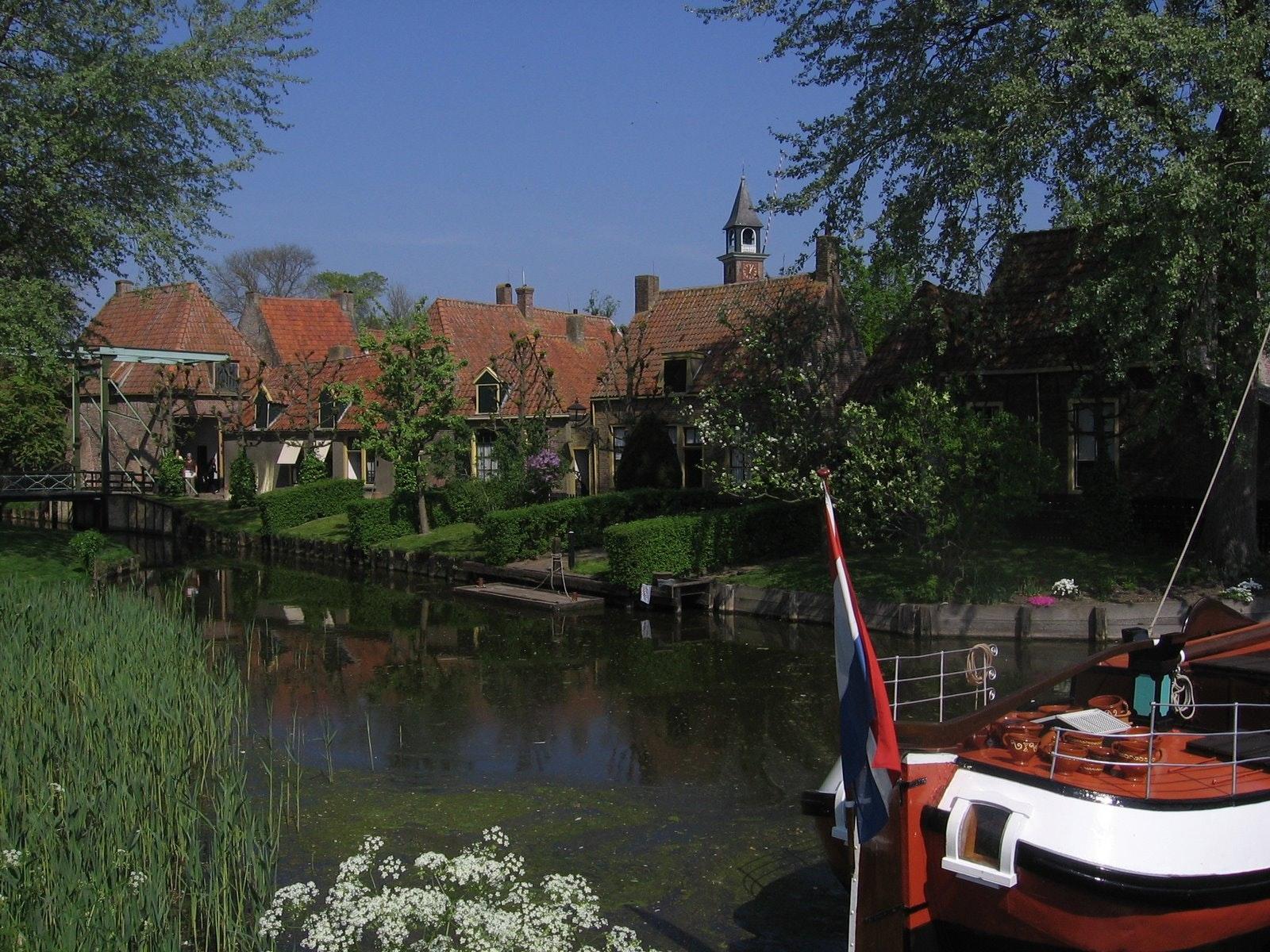 IJsselmeer boot met vlag