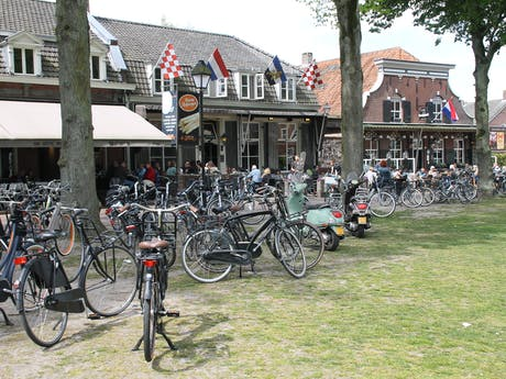 Trappisten fietsenstalling