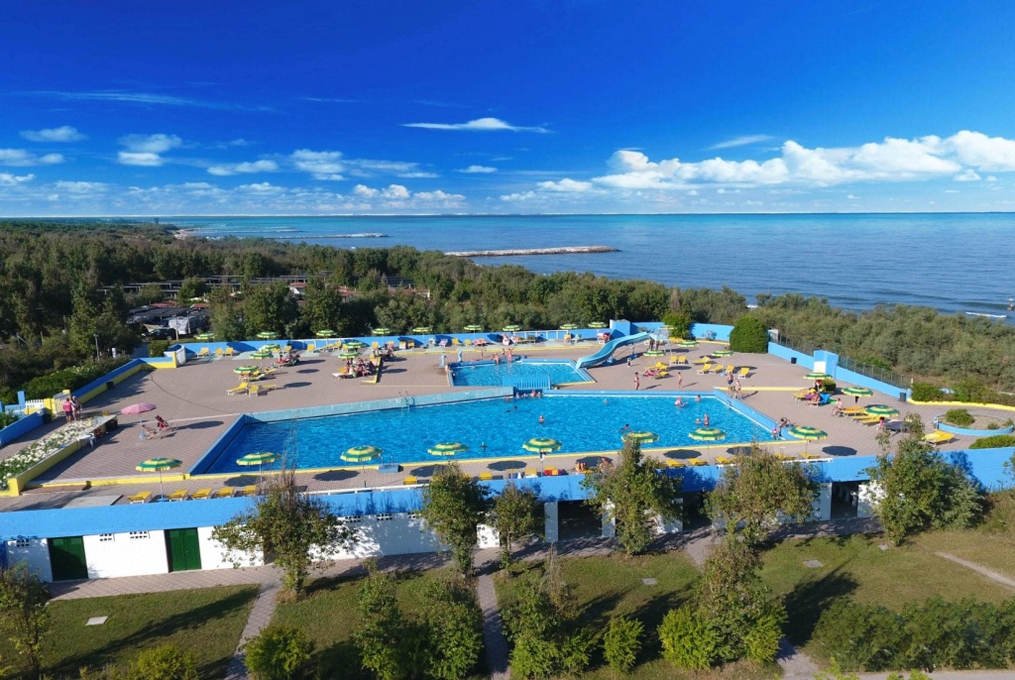 Zwembad camping Rosapineta