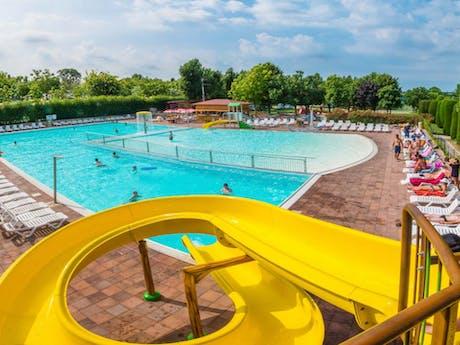 Eurocamping pacengo zwembad met glijbaan