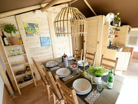 Safaritent Olive Eetkamer
