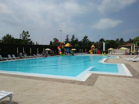 Zwembad camping Tiglio