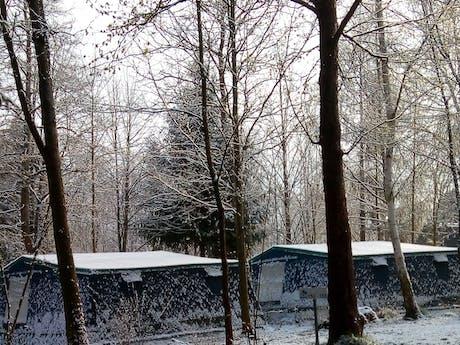 Bungalowtent Blue in de sneeuw
