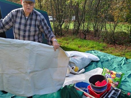 Tentenbouwer Jacques camping de Kattenbergse