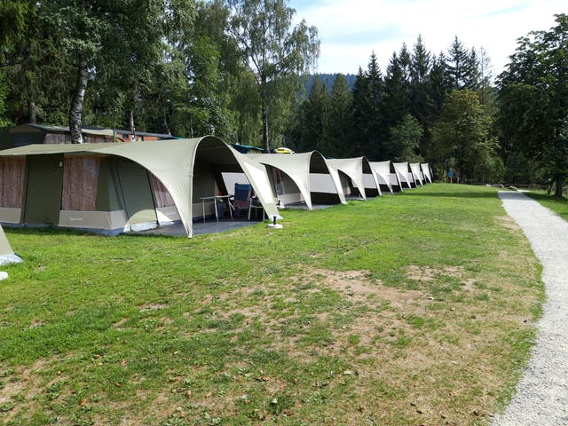 Camping Lackenhäuser GlamLodge tenten