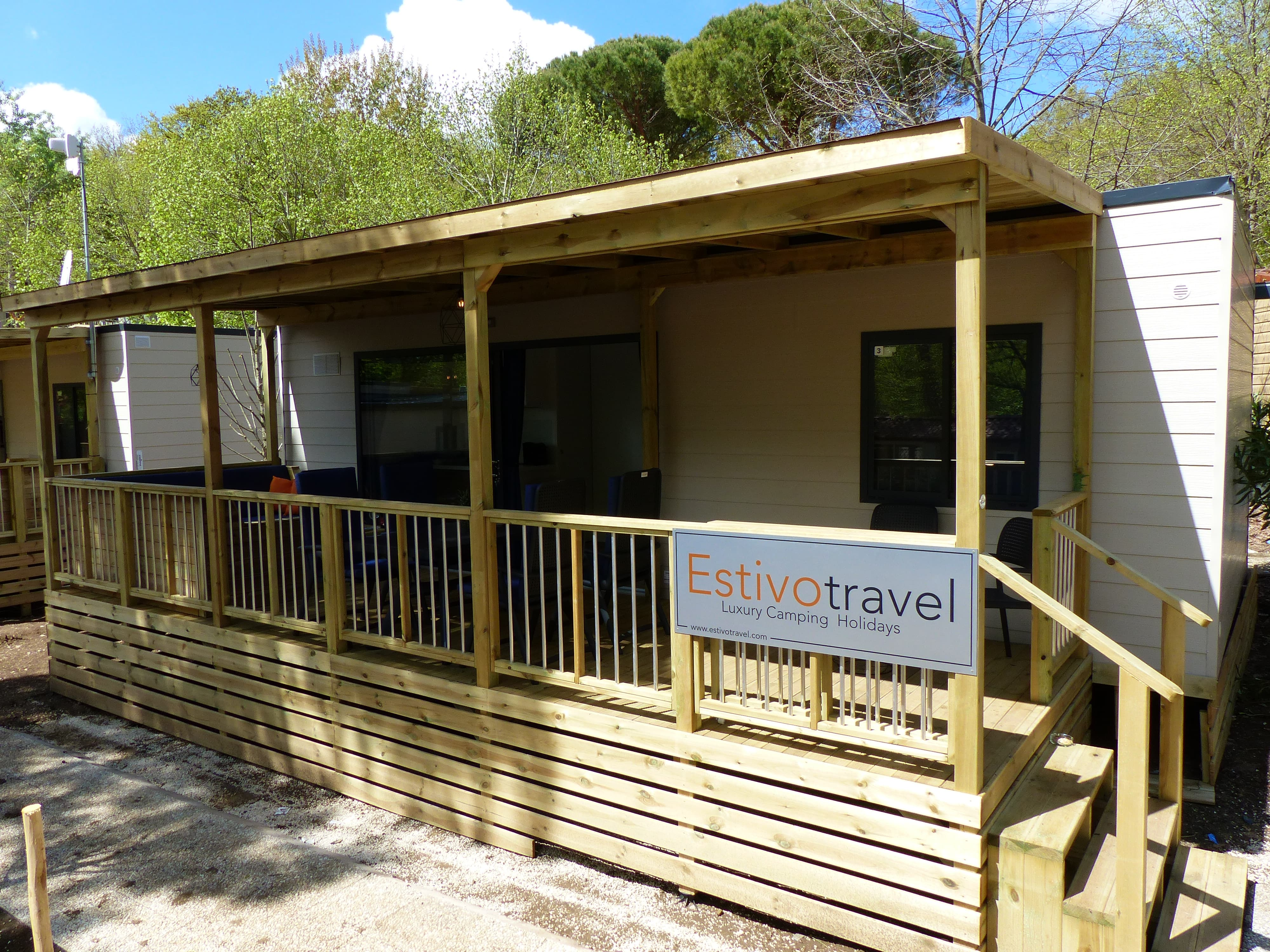 Camping I Pini Family Park Stacaravan huren   Rent a Tent