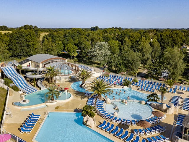 Camping Les Deux Fontaines zwembadcomplex