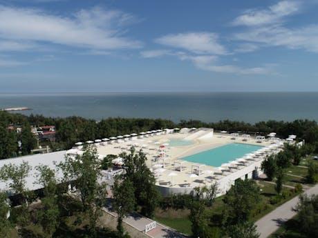Rosapineta nieuwe buitenzwembad 2020